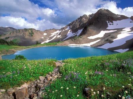 lago-y-montanas-1024-x-768